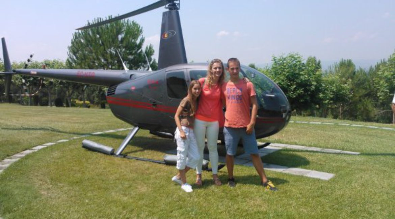 Los ganadores del vuelo en helicóptero + Cóctel de RAC 105 en el Mas de Sant Lleí