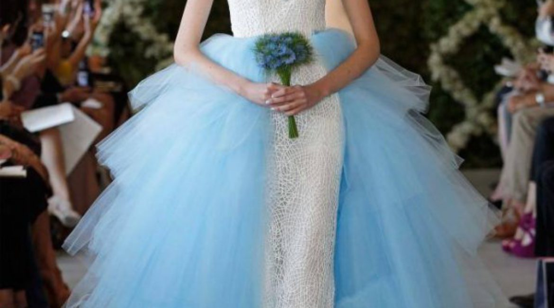 Oscar de la Renta design a wedding dress for Barbie