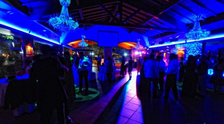La Facultat d'Econòmiques de la UPF celebra el pas de l'equador al Mas de Sant Lleí