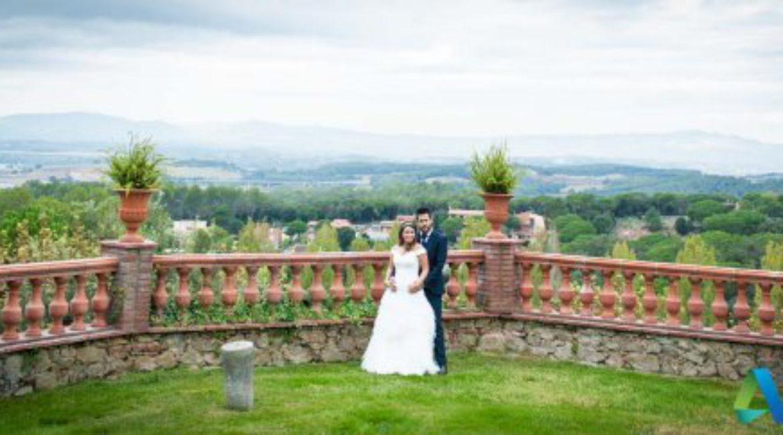 La boda de Sonia y Jan en Mas de Sant Lleí