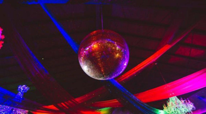 Què necessites saber per organitzar l'esdeveniment de Nadal de la teva empresa en Mas de Sant Lleí?