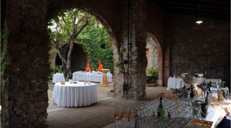 Хотите сыграть «коктейльную свадьбу» в Испании?